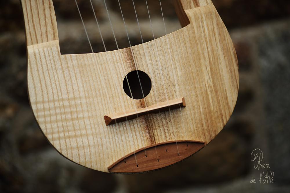 Lyre Gauloise Celtic Lyre Lira Galica Gallic Lyre Celtic Intrument Gaulish Music stèle gauloise bard instrument