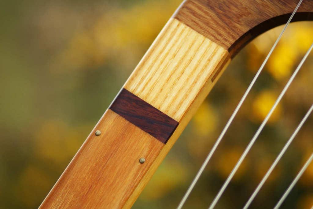 Lyre de Sutton Hoo Saxon lyre medieval instrument